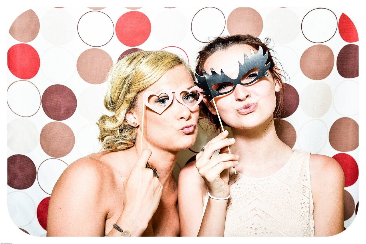 5 Big Reasons to Have a Photo Booth Option at Your Party